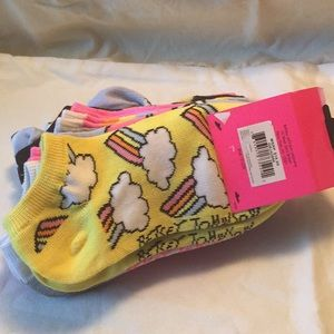 NWT Betsey Johnson youth low cut socks